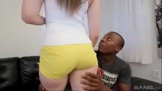 cachonda jovencita es culeada por un niga Best interracial